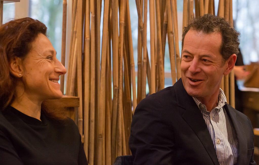 Thierry Bulckaert de l'agence web Marque-Pages et Catherine Millet de l'Agence Gris Souris échangent